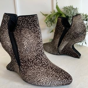 STUART WEITZMAN Pony Hair Ankle Cut Out Wedge size